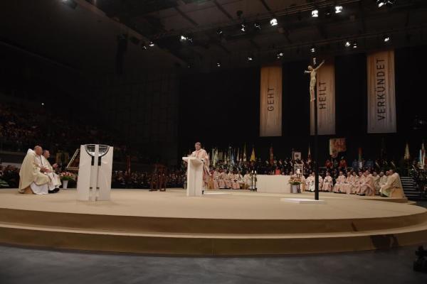 Diözese Innsbruck / 090_bischofsweihe_hermann_glettlerpredigt_bischof_scheue / Zum Vergrößern auf das Bild klicken