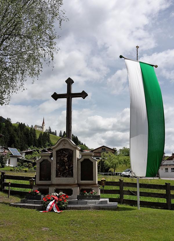 SR Karl Schett / 1____2015-05-25_11.32.29__gedenkfeier_am_23._mai_in_strassen_hp_ / Zum Vergrößern auf das Bild klicken