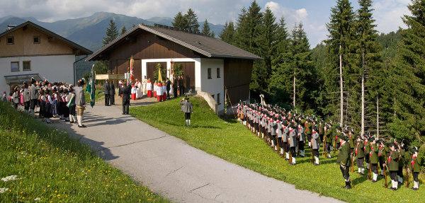 Bermann Hans / Bermann Alois / 5--img_5031-jakobprozession-strassen-2012- / Zum Vergrößern auf das Bild klicken