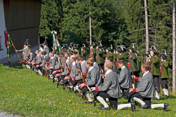 Bergmann Hans / Bergmann Alois / 6--img_5039-jakobiprozession-2012- / Zum Vergrößern auf das Bild klicken