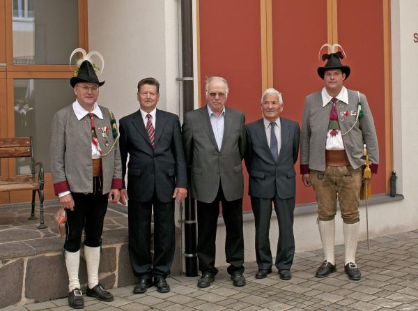 Hans Bergmann / dsc_2431_ein_teil_der_jubilare_2014_ / Zum Vergrößern auf das Bild klicken