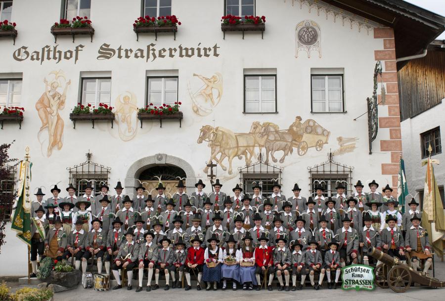 SK Strassen (Bergmann Hans) / kompaniefoto_sk_strassen_2014 / Zum Vergrößern auf das Bild klicken